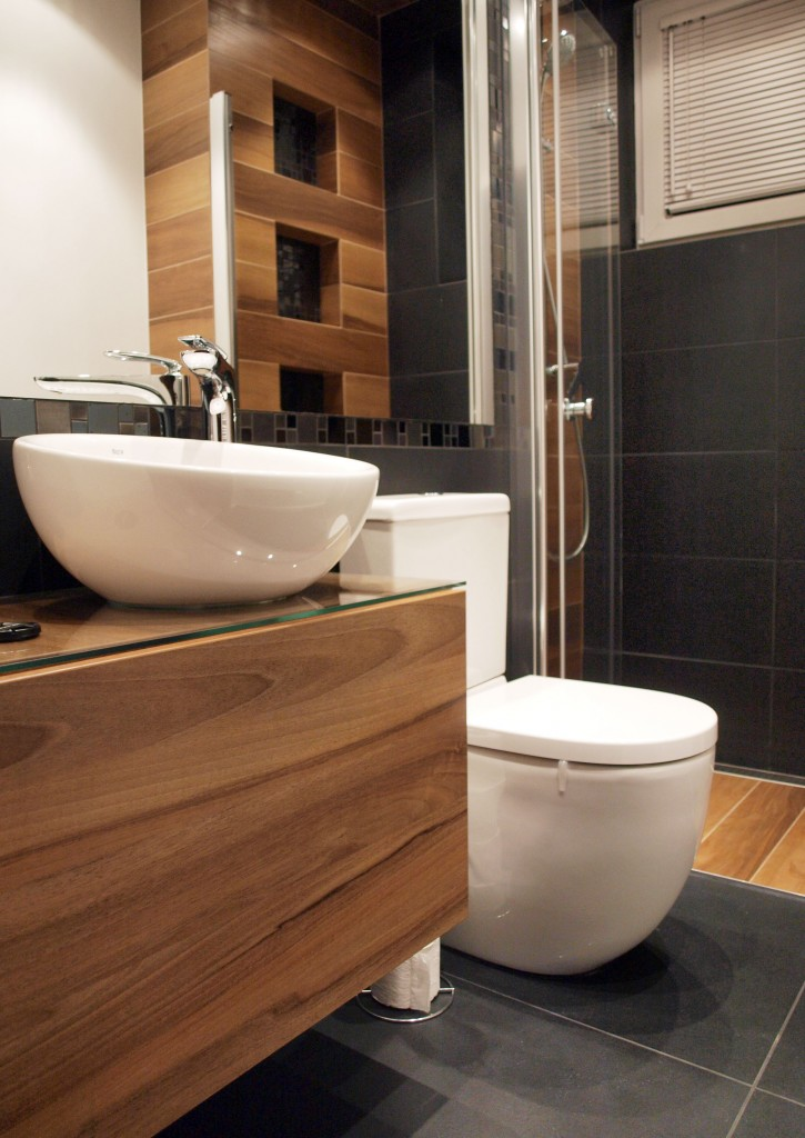 łazienka Czerń Biel I Drewno Deccoriapl