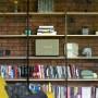 Domy i mieszkania, ZA CO KOCHAMY STYL LOFTOWY? PROJEKT MIŚKIEWICZ DESIGN - Takie, w których dużą rolę odgrywa światło, przestrzeń, minimalizm i niepowtarzalność projektu. Łączą one nieodzowne surowe materiały z elementami wnoszącymi ciepło i przytulność. W końcu w loftach mamy mieszkać, a nie prowadzić produkcję...
