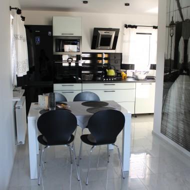 kuchnia czaro biała