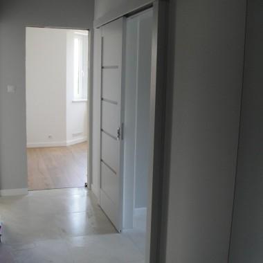 adaptacja salonu w mieszkaniu przebudowa i remont