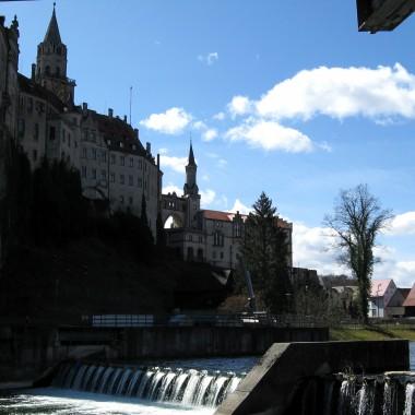 Zamek w Sigmaringen. Jest zamieszkały.