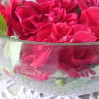 ................i róże............