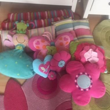 sprzedam dodatki do pokoju dziecięcgo, poduszki, zegar, dywany