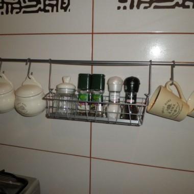 Kuchnia ,może nie w całej okazałości,ale coś tam widać:)