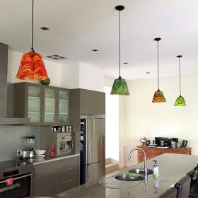 Lampy Mdina Glass w kuchennej aranżacji