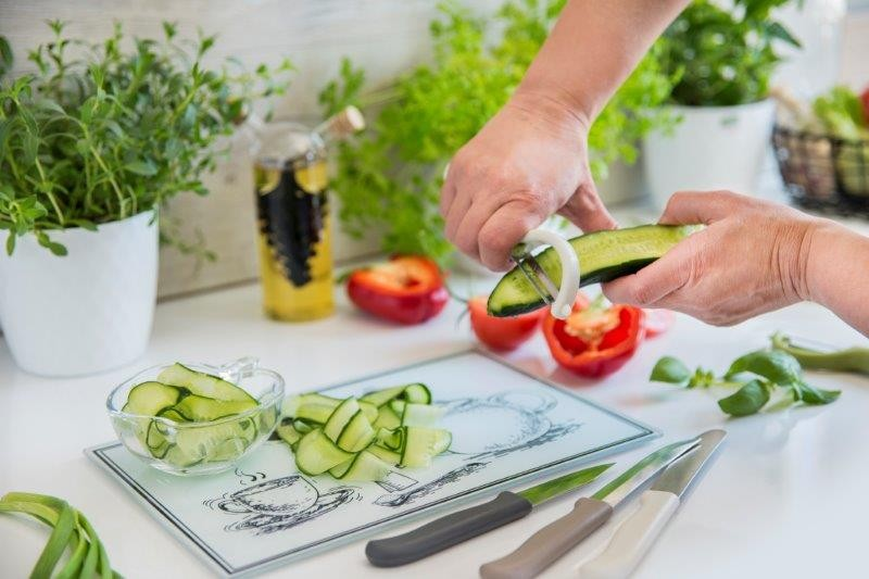 Pozostałe, Akcesoria do krojenia i obierania - Nożyk do warzyw