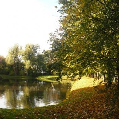 .................i jesień nad stawem....................