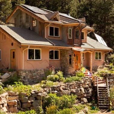 Domy z naturalnych materiałów