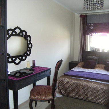 Sypialnia z lekką nutką glamour.
