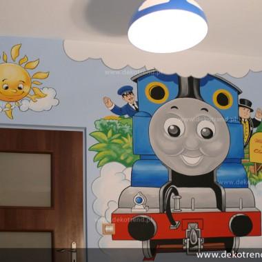 artystyczne malowanie ścian, malowidła ścienne, malunki na ścianie, pokój dziecięcy, pokój dla dziecka, pokój dla dziewczynki, pokój dla chłopca, pokój dla dziewczynki, dekoracja ścian, Tomek i Przyjaciele, ciuchcia, pociąg