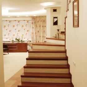Schody w domu szeregowym