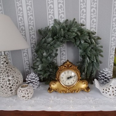 Stary zegar odmierza ostanie godziny 2018 roku:)