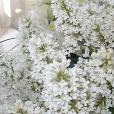 .............i biały bez pachnący..............