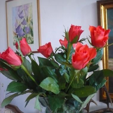 .....................i róże w wazonie...............