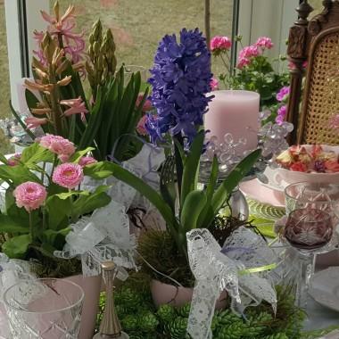 Moje gniazdko ... wiosna  na stole...