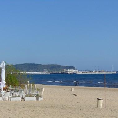 ...............i rano jeszcze pusta plaża.................