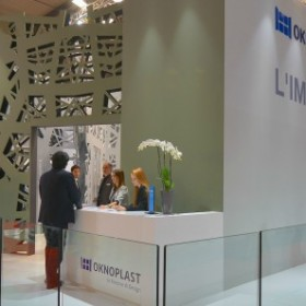 OKNOPLAST na Targach Made Expo przedstawia dwie nowości – produkty z drewna i aluminium