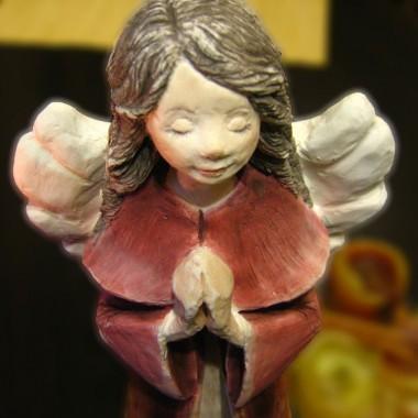 """figurka """"Aniołek Eufecja"""" w  wersji bordo"""