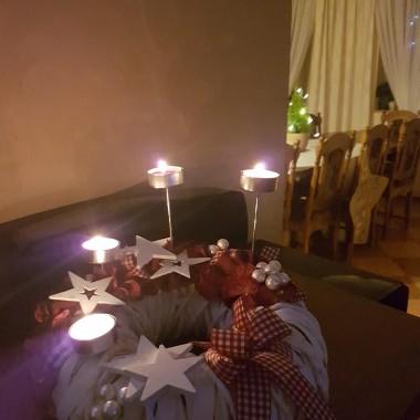 Witam w moim domu. Adwent to czas przygotowania na Narodzenie Chrystusa. W domu powoli czuć w powietrzu magię świąt.