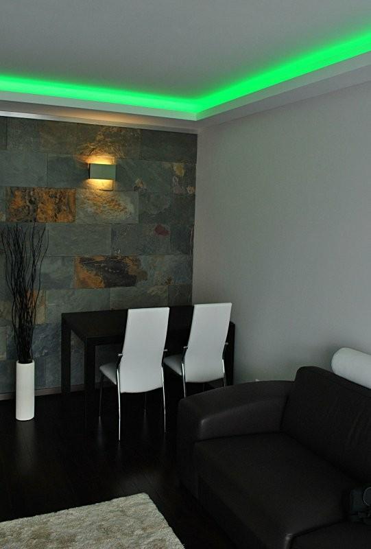 Oświetlenie, Oświetlenie sufitu - Oświetlenie sufitu podwieszanego - taśma LED zielony