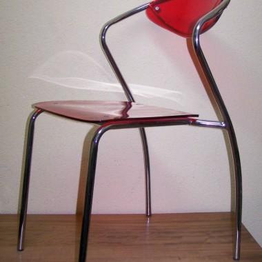 gorące krzesła czerwona pleksa i chrom