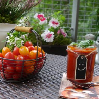 Już za chwilkę przyjdzie jesień. Niestety w tym roku od jakiegoś czasu jest deszczowo, wietrznie i chłodno. Ale ja na przekór stawiam na kolor i gorącą zupę. Może będziemy mogli cieszyć się cudownymi kolorami jesieni i jej ciepłymi promieniami słońca.