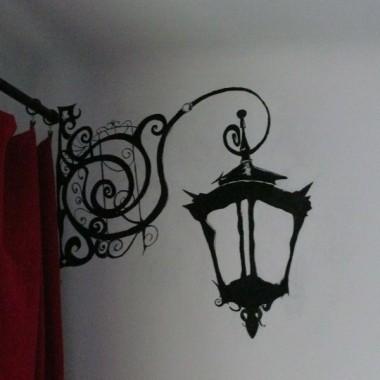 namalowana lampa