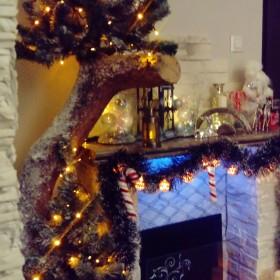 Drzewko choinka świąteczną, kominek