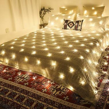 Siatka LED w sypialni
