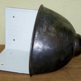 stary naroznikowy zlew żeliwny industrialny design
