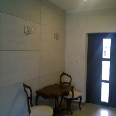 Beton architektoniczny Luxum klasy premium, to świetne rozwiązanie na ściany niemal w każdym stylu aranżacyjnym.