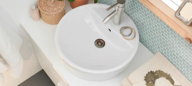 Okiem eksperta: Dekoracje w łazience – dodatki, akcesoria, gadżety… Jak je wybrać?