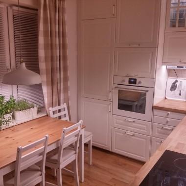 Biała kuchnia z Ikei