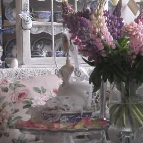 Kwiatowa  galeria z ........koronami .... i konfiturami......