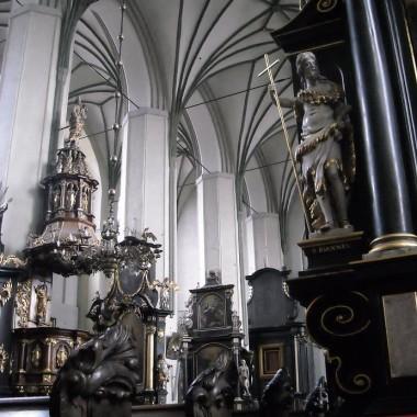 .............i Kościół Św. Mikołaja gdzie odbywają się koncerty w czasie Jarmarku............