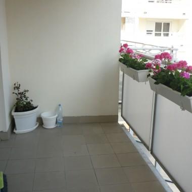 balkonik w dziennym pokoju