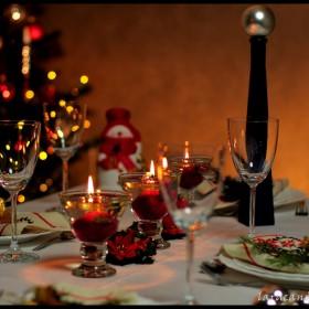 Święta Bożego Narodzenia - dekoracja stołu wigilijnego