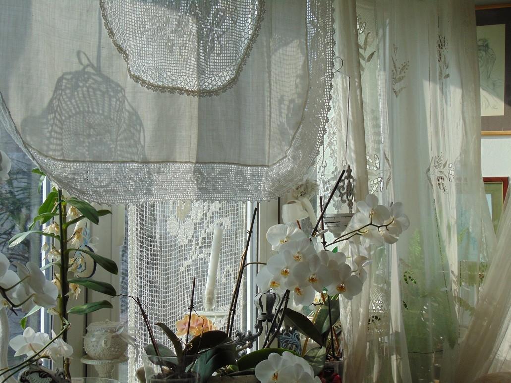 Dekoracje, Jajeczka.....serduszka....i...zazdroski....... - .............i okno w słonku...........
