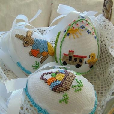 .................i kolorowe jajeczka.................