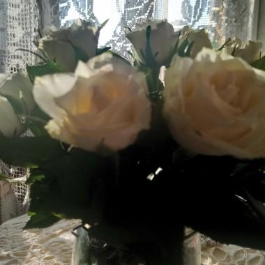 .................i białe róże.................