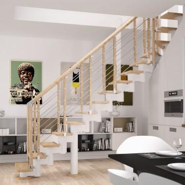 Rintal Polska, schody Knock 06 z balustradą Filo drewno.Konstrukcja metalowa w kolorze białym. Stopnie z mozaiki bukowej w kolorze natura. Cena – od 17,2 tys. zł brutto (w ramach promocji listopadowej).