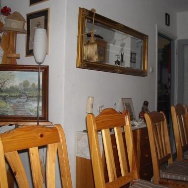 ................i stół przygotowany dla gości..............