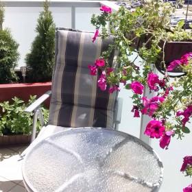 nasz balkon -  namiastka zieleni na osiedlu
