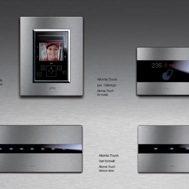 AVE - designerski osprzęt elektroinstalacyjny, panele dotykowe