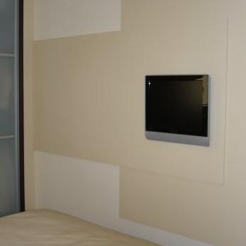 jak zrobić aby nie było widać kabli za TV ?