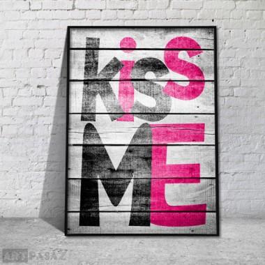 """designerski plakat w ramie """"kiss me"""""""