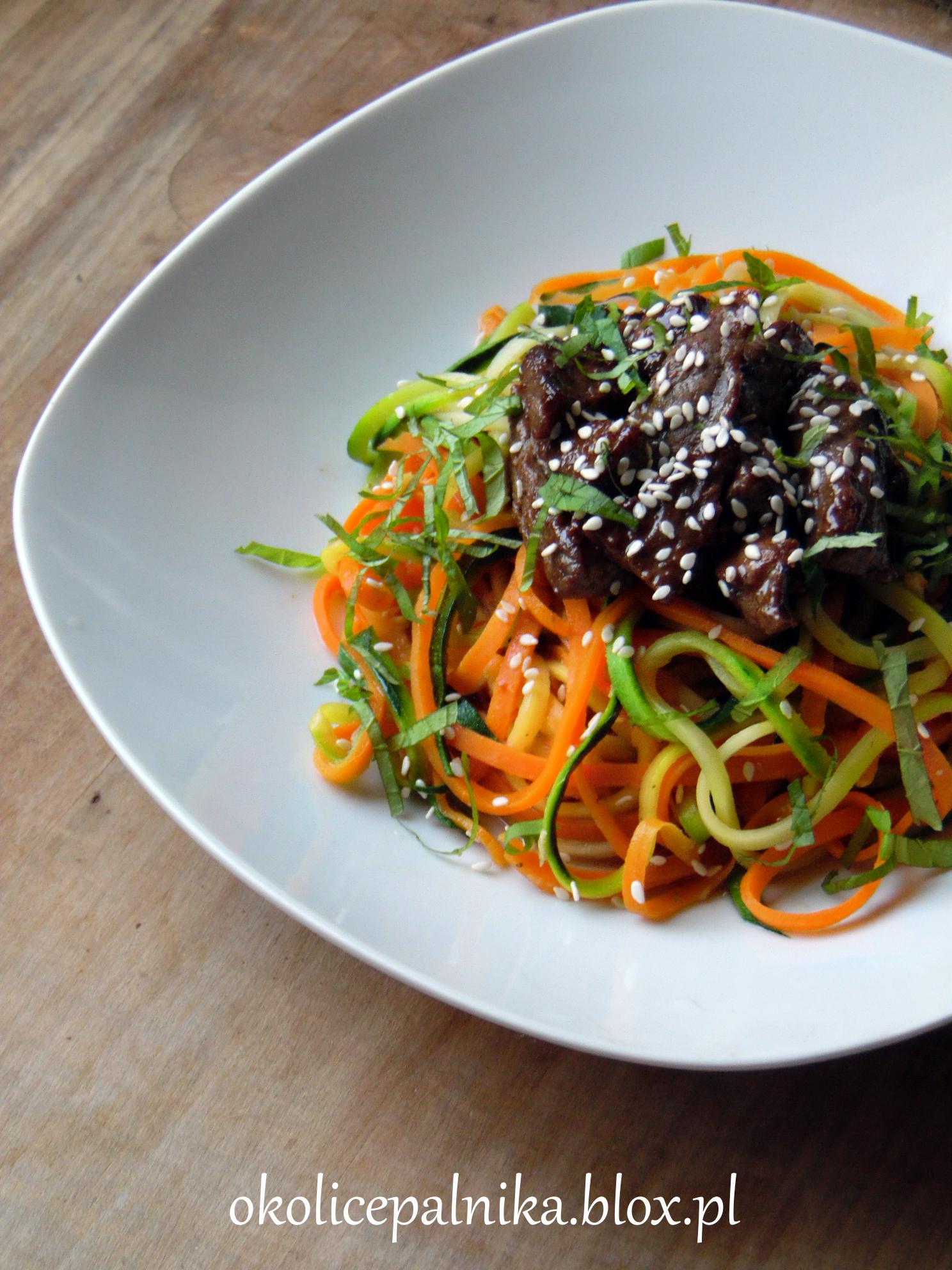 makaron z warzyw spaghetti z marchewki i cukinii, jak zrobić, przepis, szybki obiad, wołowina