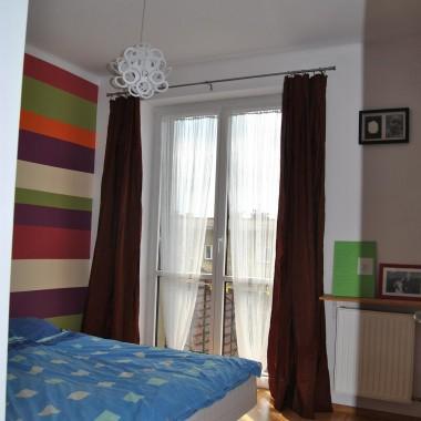 Mała sypialnia z kolorem