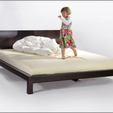 Łóżka bukowe Queens
