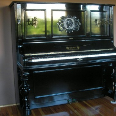 Pianino GRUNERT JOHANGEORGENSTADT  koniec XIXw